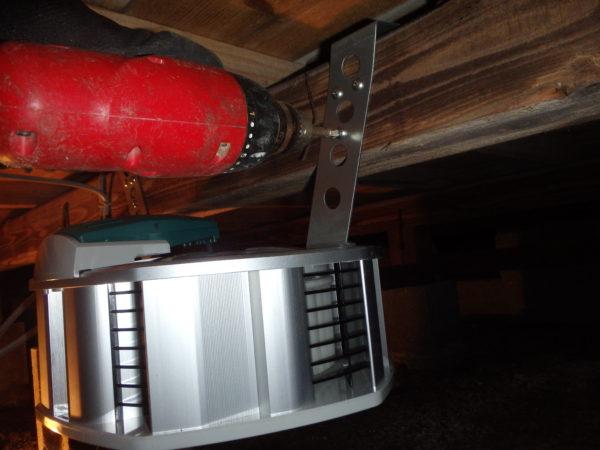 豊前市で床下換気扇の設置工事